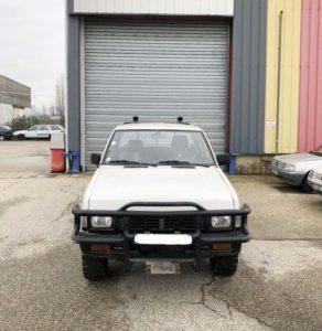 Face avant du Nissan Navarra 4x4 King cab de 1995
